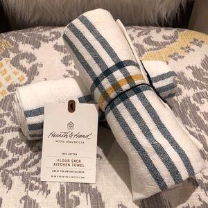 Hearth & Hand W Magnolia Flour Sack Kitchen Towels